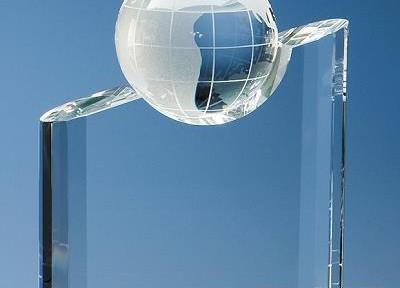 crystal-globe-mountain-award_3